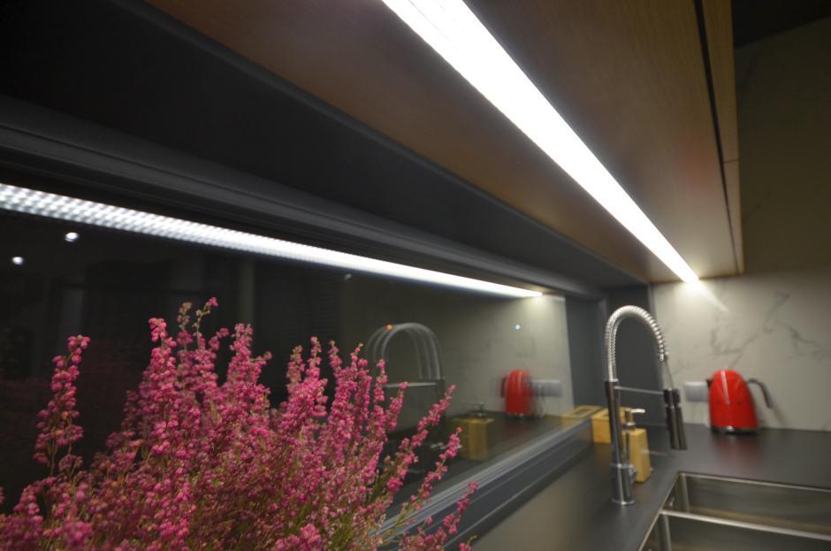 Galeria Zdjęć Zdjęcie Oświetlenie Blatu Kuchennego